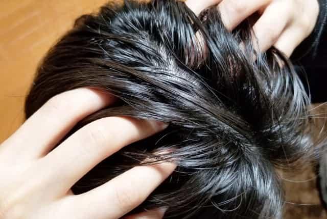 頭皮を揉む 頭皮マッサージのやり方