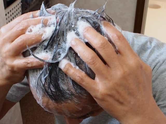 汗や皮脂の汚れ 秋に抜け毛が多い原因